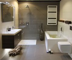moderne badkamers met inloopdouche - Google zoeken House, Building A New Home, Bathroom Organisation, Room Layout Planner, New Homes, Bathroom Remodel Designs, Bathroom Floor Plans, Bathroom Design, Beautiful Bathrooms