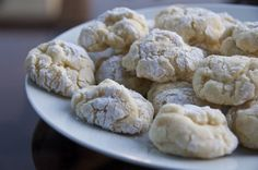 gooey butter cookies.. these look like pillows of heaven, if heaven was made of butter and sugar