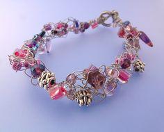 Pearl - Beading Gem's: Estes crochê de fios e pulseiras grânulo são fáceis de fazer.