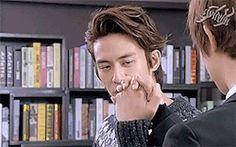 Baron Chen, Bts Behind The Scene, Tie A Necktie, Taiwan Drama, Brown Outfit, No One Loves Me, Gender Bender, Always Love You, Dreadlocks