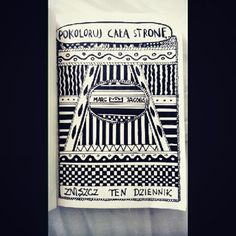 Podesłała Carolina Cieśla #zniszcztendziennikwszedzie #zniszcztendziennik #kerismith #wreckthisjournal #book #ksiazka #KreatywnaDestrukcja #DIY