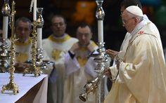 Pape François - Pope Francis - Papa Francesco - Papa Francisco - JMJ RIO 2013 - Papa Francisco reza missa na Catedral do Rio