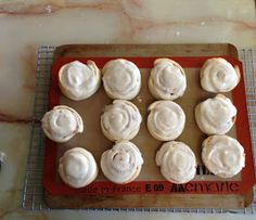 Mary Quite Contrary Bakes: Cheater Cinnamon Rolls