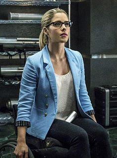 Felicity's blue blazer on Arrow.  Outfit Details: https://wornontv.net/55959/ #Arrow