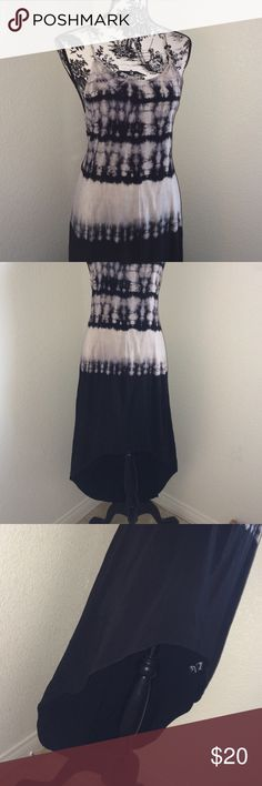 """📍Mono B • Black/Gray Ombré Hi-Lo Dress In gently used condition.      ‼️REDUCED! Before you think of placing an offer on a reduced top, be sure you consider my current """"Shop for A Cause"""" sale and my time & materials to wrap & ship your package. Bundles Welcome.‼️ Mono B Dresses High Low"""