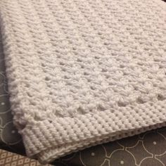 Virkattu vauvan peitto Crocheted babys blanket