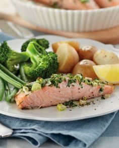 Team GB's Volleyball athlete Lynne Beattie is a fan of Salmon. This twist on a family favourite recipe is packed full of healthy vegetables! :)