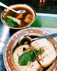 #dinner 素食店裡吃臭豆腐 - 清蒸手工臭豆腐 - 紅燒蕃茄湯 #vsco #vscocam #vscofood #vscotaiwan #igers #igersoftheday #igerstaiwan