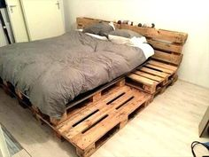 Bedroom diy pallet furniture fully featured pallet bed renowned pallet projects ideas pallet furniture part 2 Pallet Furniture Bed, Wooden Pallet Beds, Diy Pallet Bed, Furniture Projects, Pallet Projects, Wood Pallets, Bedroom Furniture, Pallet Ideas, Pallet Bed Frames