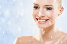 How to Prevent Dry Winter Skin A dermatologist shares five tips for keeping your skin healthy and hydrated this winter SkincareTips Health Tips, Health And Wellness, Winter Beauty Tips, Hydra Facial, Living In Colorado, Best Natural Skin Care, Clear Skin, Dry Skin, Healthy Skin