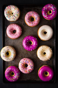 Stacey shares 12 baked donut recipes that she wants to try since she's never made baked donuts before. She talks about free donuts for National Donut Day. Just Desserts, Delicious Desserts, Yummy Food, Dessert Recipes, Cupcakes, Yummy Treats, Sweet Treats, Kolaci I Torte, National Donut Day