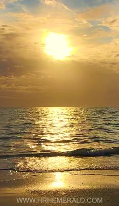 Beautiful Sunset Waves Fluffy Evening Clouds by Artist Emerald - Vine Ideas Beach Pictures, Nature Pictures, Cool Pictures, Beautiful Ocean, Beautiful Sunrise, Ocean Video, Foto Gif, Sunset Wallpaper, Ocean Sunset