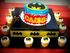 Cake and cupcakes - Batman Party