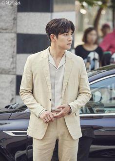 "[Drama] A pictorial starring Ji Chang Wook, ""Maketh Suit King"" Ji Chang Wook Smile, Ji Chang Wook Healer, Ji Chan Wook, Asian Actors, Korean Actors, Korean Actresses, Asian Boys, Asian Men, Ji Chang Wook Photoshoot"