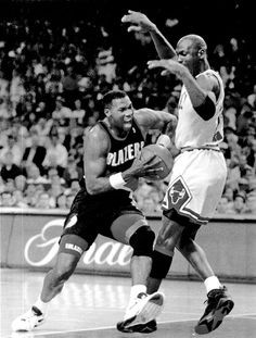9c08ae43013 Michael Jordan tries to hold off Jerome Kersey during Game 6 of the 1992  NBA Finals.