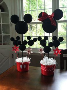 Mickey and Minnie Mouse Centerpieces - DIY | birthday party ideas