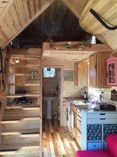 Love these stairs Tiny Beach House, Tiny House Loft, Tiny House Bathroom, Tiny House Living, Tiny House Plans, Tiny House Design, Tiny House On Wheels, Tiny House Furniture, Cabin Homes