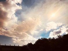 Cloud crush.#skyporn #australiansky #wandervictoria #clouds #cyrrus #sunshine #elements #melbourneart #potd #vsco #nikon #vscocam