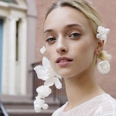 43 Pairs Of Floral Statement Earrings For The Romantic Bride | Brides