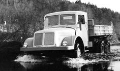 Чешский самосвал Tatra 111 Central Europe, Big Trucks, Czech Republic, Locomotive, Old Cars, Motor Car, Cars And Motorcycles, Techno, Automobile