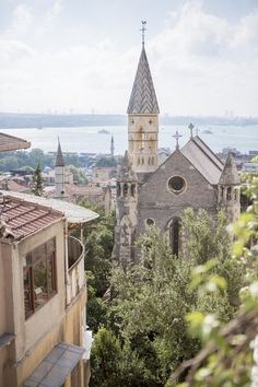 A breathtaking view of Beyoglu, Istanbul. Carl Sagan, The Beautiful Country, Beautiful Places, Places Around The World, Around The Worlds, Voyager C'est Vivre, Turkey Travel, Istanbul Turkey, Nice View