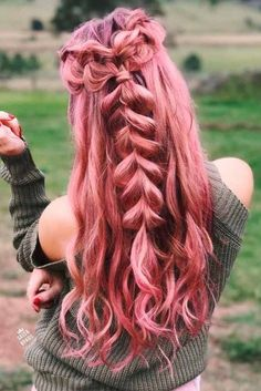 48 Fresh Spring Hairstyles to Try Now These fresh and trendy spring hairstyles will help you to bring a little change in your life and revamp your look. Hurry up to see them. Cute Hair Colors, Pretty Hair Color, Beautiful Hair Color, Hair Dye Colors, Spring Hairstyles, Braided Hairstyles, Cool Hairstyles, Mermaid Hairstyles, Medium Hairstyles