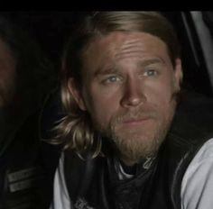 Charlie Hunnam / Jax Teller, soa Charlie Sons Of Anarchy, Sons Of Anarchy Motorcycles, Beard Boy, Charlie Hunnam Soa, Jax Teller, Man Alive, Bearded Men, Beautiful Men, Sexy Men