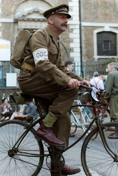 The Tweed Run London 2014 (8/8)..ok not plusfours, he just tucked his trousers into his socks. but he is a  good looking man  and  did make an effort