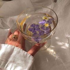 Classy Aesthetic, Purple Aesthetic, Aesthetic Food, Aesthetic Vintage, Aesthetic Photo, Aesthetic Pictures, Princess Aesthetic, Aesthetic Wallpapers, Tea Party
