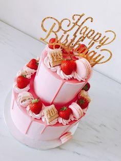 Elegant Birthday Cakes, 16th Birthday Cake For Girls, Birthday Cake For Women Elegant, Candy Birthday Cakes, Strawberry Birthday Cake, Sweet 16 Birthday Cake, Strawberry Cakes, Happy Birthday, Chocolate Cake Designs