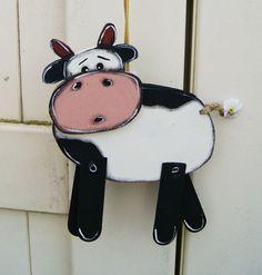 Mobile suspension vache noire et blanche en bois par LULdesign, $19.80 / 15€