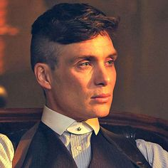 Cillian Murphy on moving from movies to TV with 'Peaky Blinders' (Exclusive Video) Peaky Blinders Netflix, Peaky Blinders Series, Peaky Blinders Thomas, Cillian Murphy Peaky Blinders, Latest Hairstyles, Celebrity Hairstyles, Hairstyles Haircuts, Haircuts For Men, 1920s Mens Hairstyles