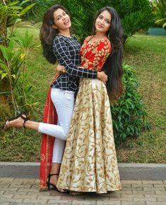 Ishaani with sister diya krishna Girl Photo Poses, Girl Photos, Cute Girl Pic, Cute Girls, Modern Outfits, Trendy Outfits, Blue And Yellow Dress, Kids Gown, Lehenga Blouse