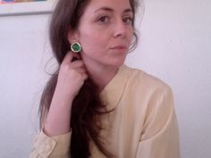Anna with clip ons earrings from www.shareyourcloset.dk