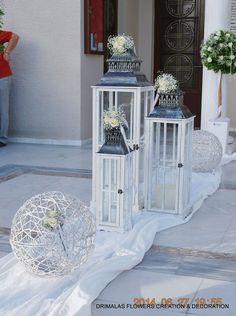 στολισμος γαμου με γυψοφυλλη Church Wedding Decorations, Wedding Lanterns, Lanterns Decor, Plan My Wedding, Kirchen, Wedding Wishes, Altar, Wedding Pictures, Marie