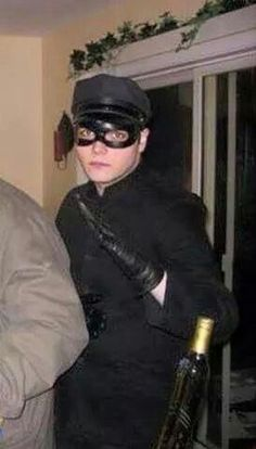 HAHA Gerard! <3 that's how you go about being a sexy cop
