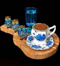 Coffee Table Kitchen, Coffee Cafe, Coffee Drinks, Sweet Coffee, I Love Coffee, Hot Coffee, Good Morning Coffee, Coffee Break, Chocolates
