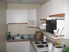 Staff housing at Whistler Blackcomb is self-catered and residents share a small kitchen with fridge/freeze, hob, microwave and storage space. This is shared between four people in an apartment. Sea To Sky Highway, Holiday Program, Working Holidays, Ski Season, Gap Year, Whistler, Freeze, Storage Spaces, Microwave