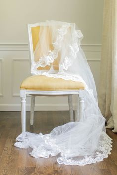 A gorgeous lace veil completely and totally Do It Yourself ready. Instructions here: http://www.stylemepretty.com/2013/09/18/diy-lace-veil/ Read More: http://www.stylemepretty.com/2013/09/18/diy-lace-veil/