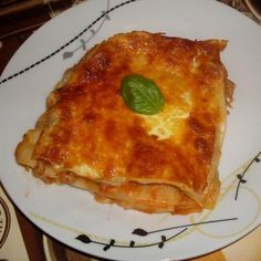 Egy finom Bolognai lasagne III. ebédre vagy vacsorára? Bolognai lasagne III. Receptek a Mindmegette.hu Recept gyűjteményében!