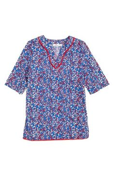 Free shipping and returns on Vineyard Vines Stars & Whales Tunic (Big Girls) at Nordstrom.com. Pompom trim plays up the festive style of a split-neck tunic in a preppy, patriotic print.