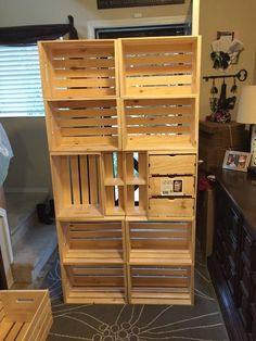 creative diy room divider ideas you should try 3 Wooden Crate Furniture, Diy Pallet Furniture, Wood Crates, Diy Pallet Projects, Wooden Pallets, Furniture Projects, Furniture Decor, Pallet Crates, Diy Room Divider