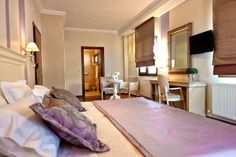 http://www.living-postcards.com/category/greek-back-mountain/enastron-hotel-kastoria#.UrXZhPRdUrU