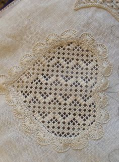"""Last week, I showed you how to re-weave the threads withdrawn from the fabric in order to produce a """"clean"""" edge for drawn thread embroidery techniques. Embroidery Hearts, Hardanger Embroidery, Types Of Embroidery, Learn Embroidery, Hand Embroidery Stitches, Embroidery Needles, White Embroidery, Embroidery Techniques, Ribbon Embroidery"""