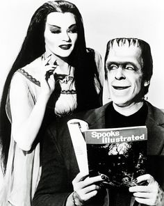 Lily (Yvonne De Carlo) and husband Herman Munster (Fred Gwynne) of the now cult series 'The Munsters'. It ran for two seasons in on CBS television totaling 70 episodes. Munsters Tv Show, The Munsters, Los Addams, Dark Romance, Herman Munster, Lily Munster, Yvonne De Carlo, Gothic, Horror Icons