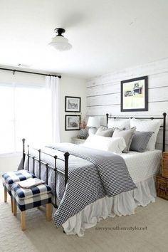 Savvy Southern Style : Gingham and Ticking Farmhouse Style Bedroom Without Spend.Savvy Southern Style : Gingham and Ticking Farmhouse Style Bedroom Without Spending a Dime Source by kan. Farmhouse Style Bedrooms, Farmhouse Master Bedroom, Cozy Bedroom, Home Decor Bedroom, Modern Bedroom, Cottage Farmhouse, Bedroom Ideas, Farmhouse Decor, Bedroom Furniture