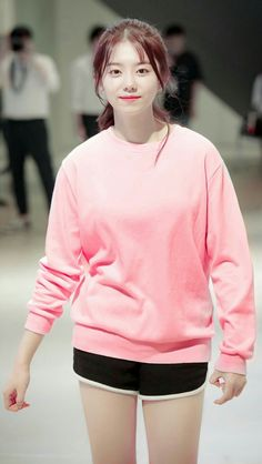 Kim So Hye_Sohye + Former_member_of_IOI South Korean Girls, Korean Girl Groups, Jung Chaeyeon, Choi Yoojung, Kim Sejeong, Girl Pictures, Kpop Girls, Role Models, Cute Girls
