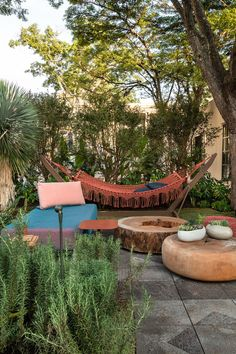 Tropical Garden Design Ideas - Have A Holiday Resort Right At Home To Make Your Holiday More Fun Terrace Design, Patio Design, Garden Design, House Design, Pergola Designs, Landscape Design, Backyard Patio, Backyard Landscaping, Backyard Hammock