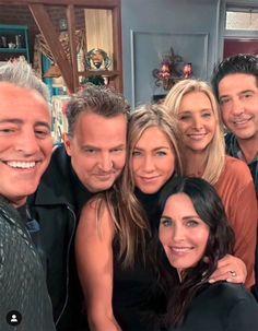 Tv: Friends, Friends Best Moments, Serie Friends, Friends Tv Quotes, Friends Poster, Friends Episodes, Friend Memes, Friends Forever, Friends Cast Now