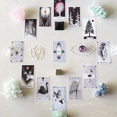 via @saralight_ the wild unknown, crystals, tarot cards
